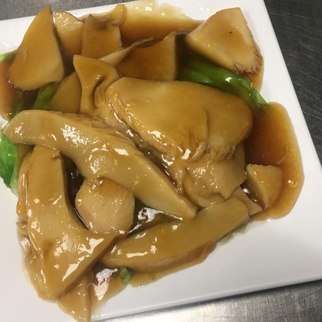 生菜扒灵芝菇Lingzhi champignon