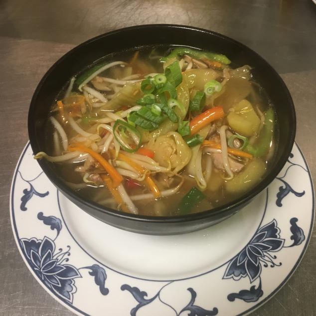 酸菜鸭丝汤面/ 河/ 米粉Zuurgroente en eend met bami/rijststick/mihoen