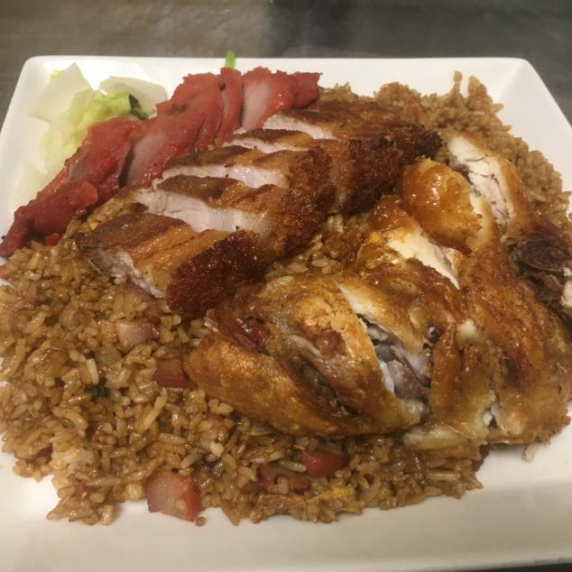 三拼黑饭Nasi met kip,spek en cha siew