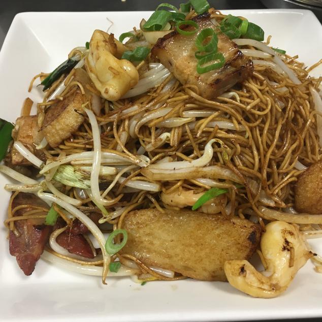 干炒杂烩米粉Verschillende vlees met mihoen droog