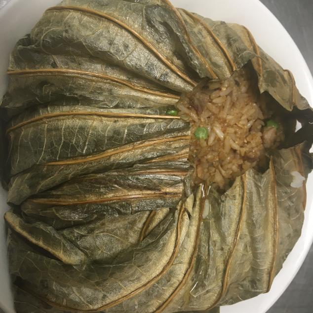 火鸭荷叶饭 Nasi met eend in lotusblad