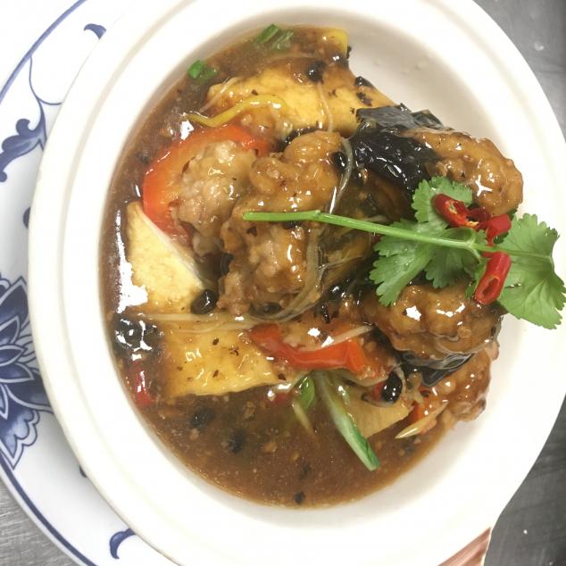 煎釀三寶(大) Gevulde tofu aubergine en paprika(Groot)