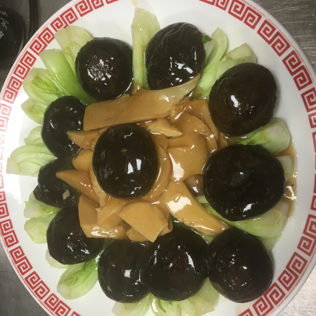 時菜扒雙菇Chinees groenten met 2 soorten champignons